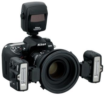 Blesk Nikon SB-R1C1 MAKRO ZÁBLESKOVÝ KIT (s SU-800) (1x SU-800, 2x SB-R200, 1x SX-1, 2x SW-11, 5x SY-1, 2x SZ-1, 2x SJ-R200, 2x AS-20, 1x SG-3IR, 1x SW-C1, 1x SW-12, 1x SS-SU800, 2x SS-R200, 1x SS-SX1, 1x SS-MS1) černý