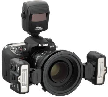 Blesk Nikon SB-R1 MAKRO ZÁBLESKOVÝ KIT (bez SU-800) (2x SB-R200, 1x SX-1, 2x SW-11, 5x SY-1, 2x SZ-1, 2x SJ-R200, 2x AS-20, 1x SG-3IR, 1x SW-C1, 1x SW-12, 2x SS-R200, 1x SS-SX1, 1x SS-MS1) černý