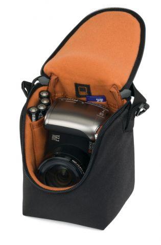 Lowepro Adventura Ultra Zoom 100 černá