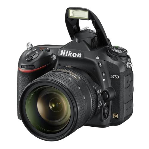 Nikon D750 + 24-85mm